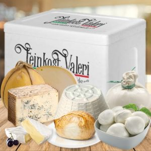 box-di-formaggi-misti-valeri-ricotta-mozzarelle-ciliegine-mozzarella-fior-di-latte-provolone-provola-affumicata-brie-e-gorgonzola-di-bufala-Schachtel-mit-gemischtem-käse-valeri-ricotta-mozzarella-kirschen-mozzarella-fior-di-latte-provolon-geräucherter-provola-brie-und-büffel-gorgonzola